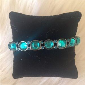 AVON Green Jewel Stretch Bracelet